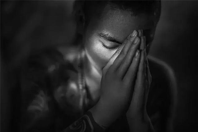 淘拍拍艺术总监邬慎杰再斩2018希腊国际摄影艺术巡回展金奖